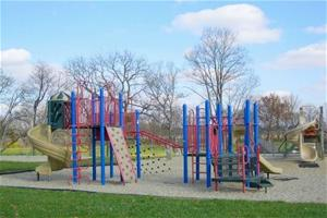 playground equipment in Barthelmas Park